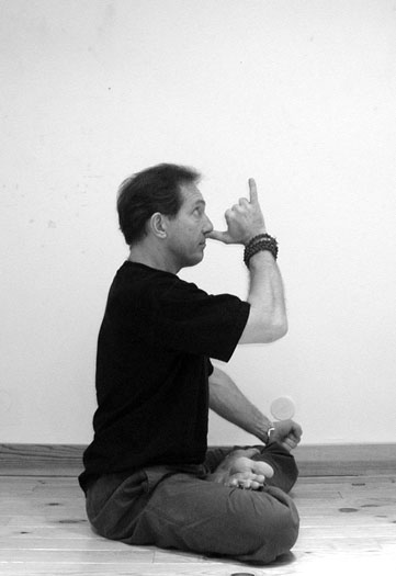 bhucharimudra-stages-de-yogta-fr